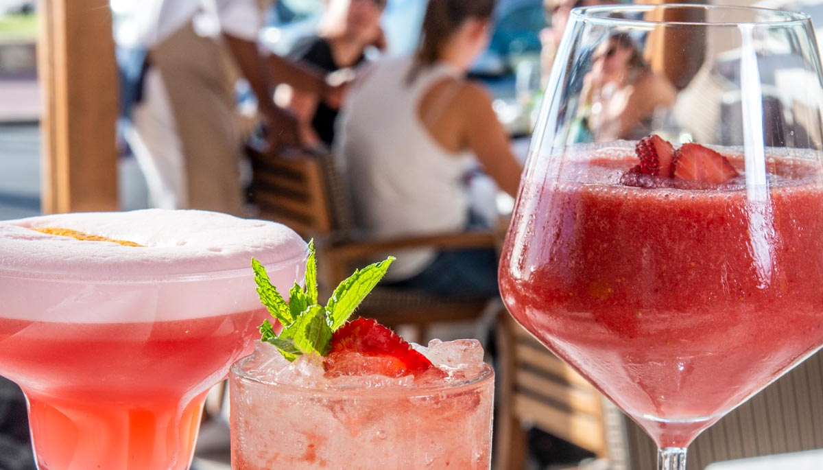 Cocktails und Champagner in Camps Bay